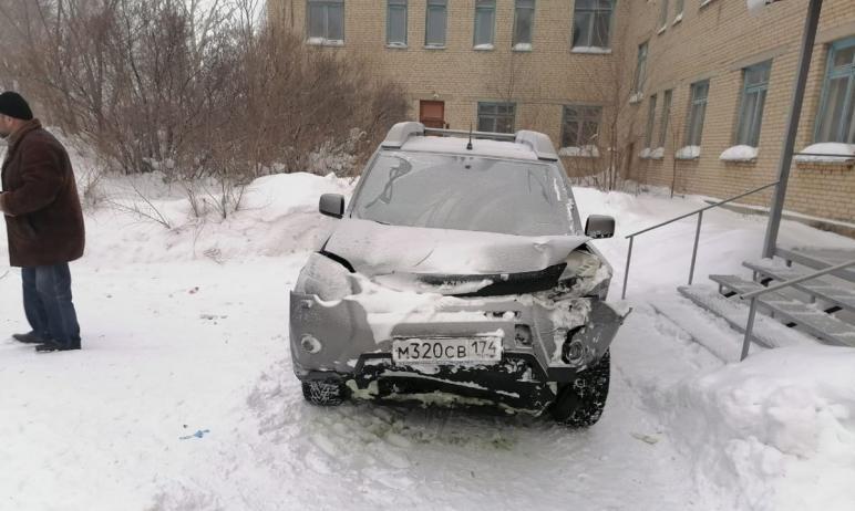 В Кизильском районе (Челябинская область) водитель иномарки в метель не справился с управлением и