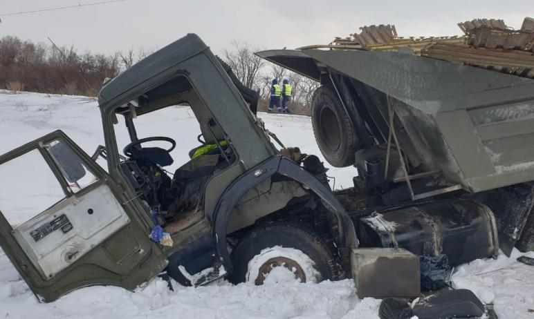 В Челябинской области следователи устанавливают обстоятельства тарана железнодорожным поездом авт