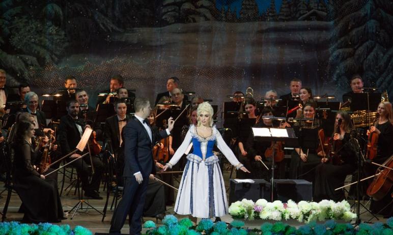 Чарующие звуки вальсов, полек и галопов наполнят Челябинский театр оперы и балета имени Глинки се