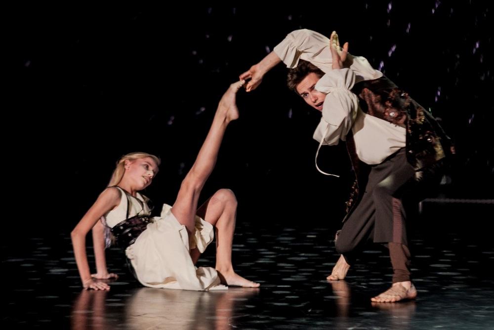Продюсеры и хореографы проекта просмотрели более 8000 заявок от юных танцоров, мечтающих попасть