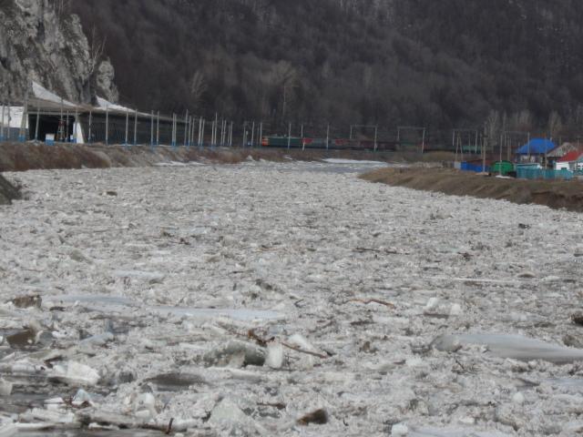 Минувшей зимой в Челябинской области выпала только половина от среднегодового уровня снега. Этот