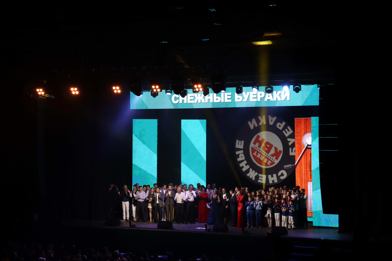 В эту пятницу, 30 ноября, в челябинском Дворце спорта «Юность» прошел музыкальный фестиваль «Снеж