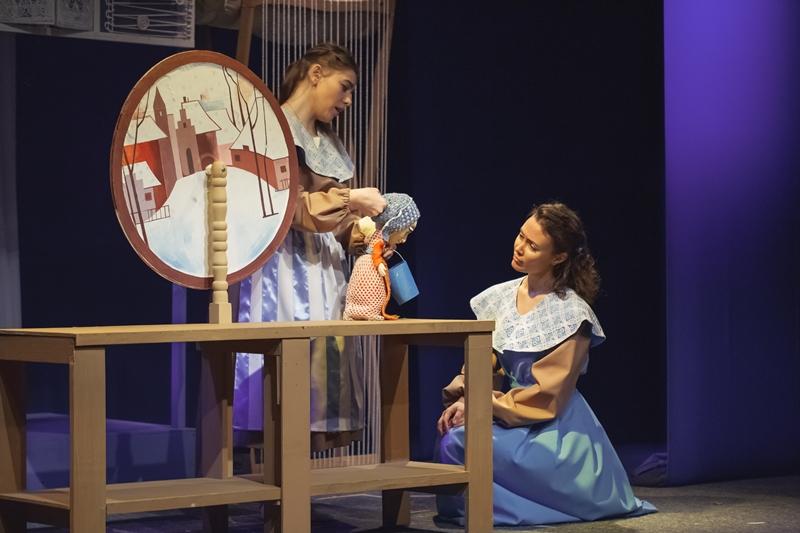 Объявленный в стране Год театра заметно активизировал деятельность театральных коллективов, включ
