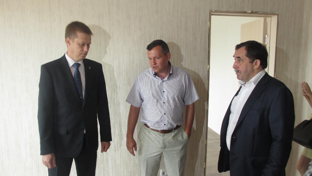 Как сообщил агентству «Урал-пресс-информ» руководитель магнитогорского строительного треста «Магн