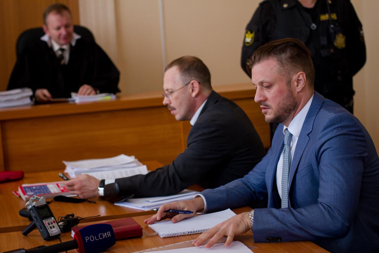 Сегодня судья будет рассматривать дело о взятке от директора ЧОП «Питон» Игоря Калугина. Материал