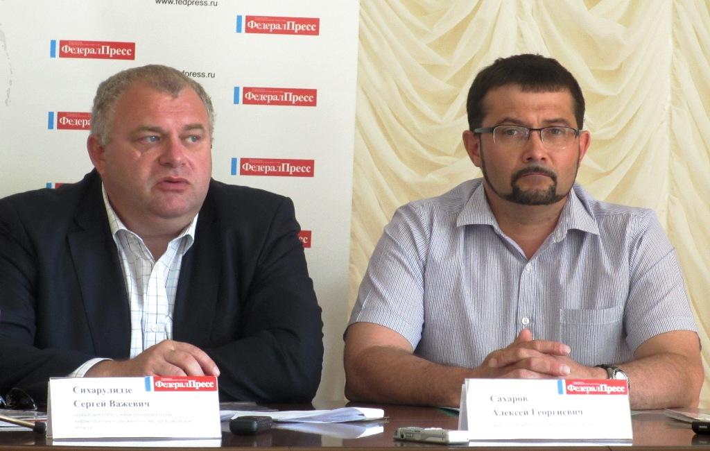 Напомним, что в конце мая Михаил Юревич на встрече с президентом России Владимиром Путиным предло
