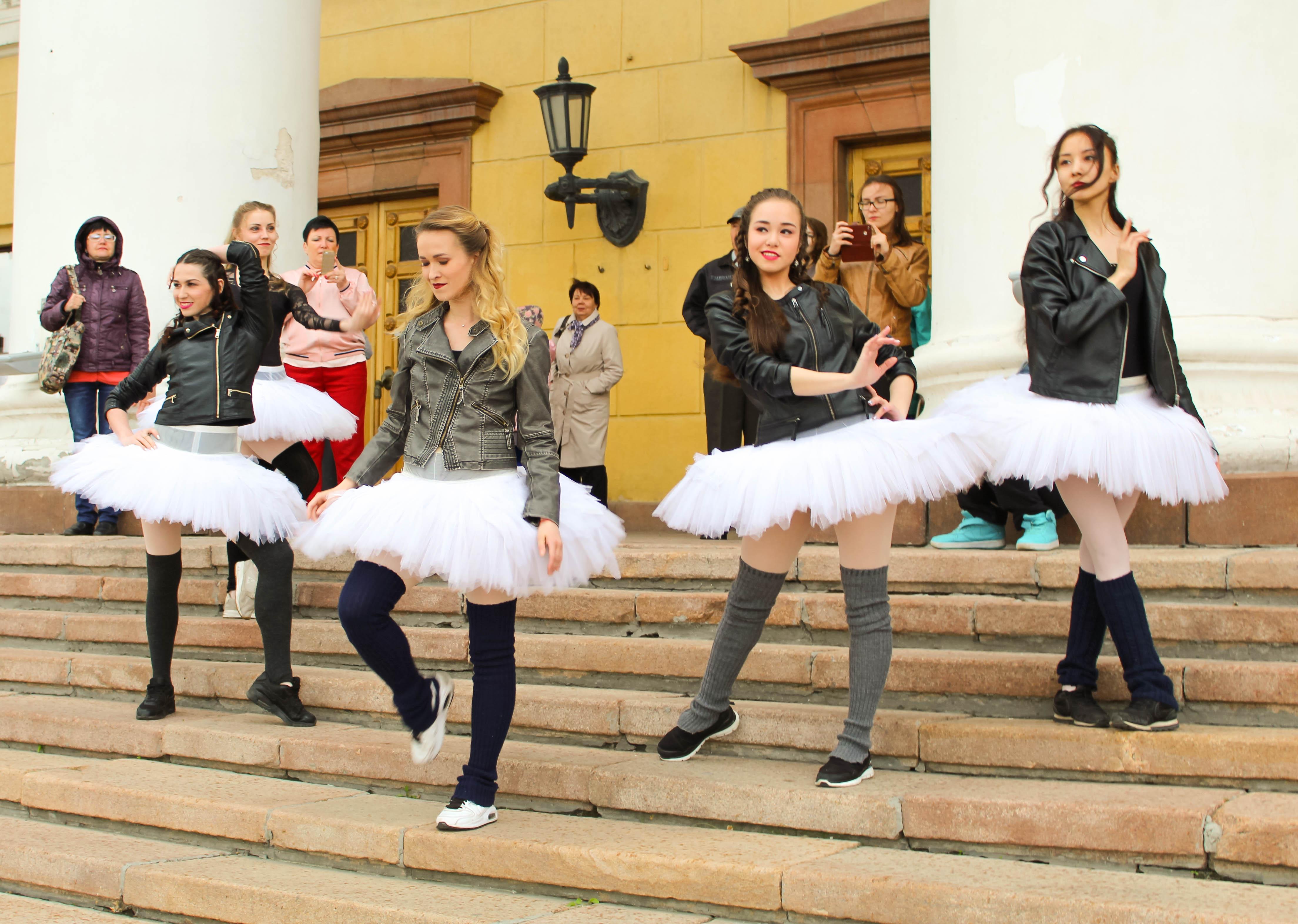 Артисты Челябинского театра оперы и балета имени Глинки за неделю до начала Х Международного фест