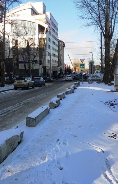 В самом центре Челябинска назревает новый «парковочный» скандал, о котором агентству «Урал-пресс-