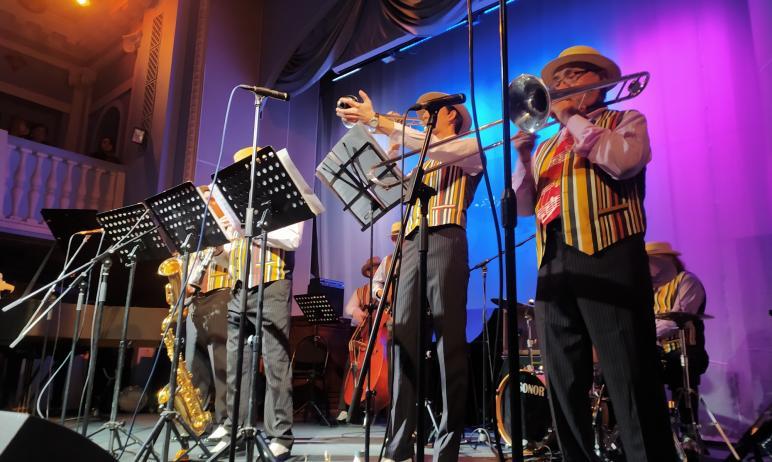 В прошедшую субботу, 14 ноября, известный ансамбль Челябинской филармонии
