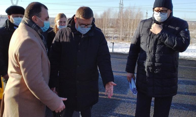 Губернатор Челябинской области Алексей Текслер осмотрел дорожные объекты, на которых в этом году