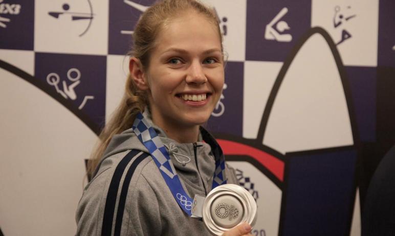 В Челябинске встретили серебряного призера Олимпийских игр Татьяну Минину. Цветы, овации, яркие э