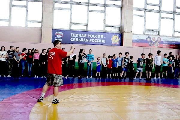 Сегодня, 7 апреля, в рамках Всемирного дня здоровья в Челябинске более 70 детей приняли участие в