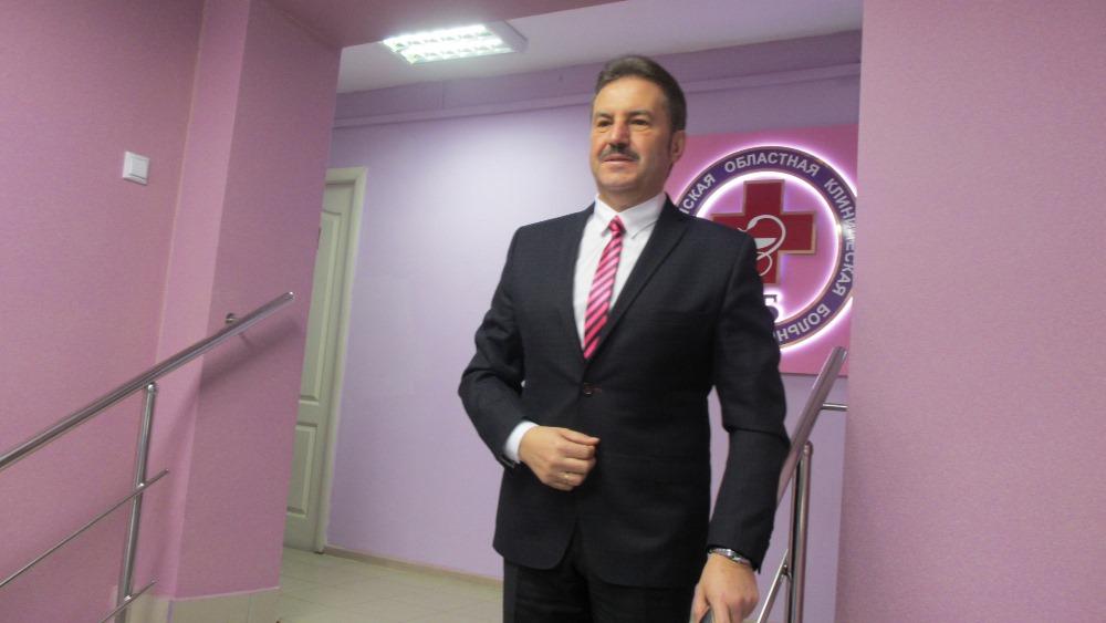 Председатель Законодательного собрания области Владимир Мякуш поздравил Дмитрия Александровича с