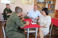 Как сообщает пресс-служба Уполномоченного, встреча прошла в Чебаркульском гарнизоне. Темой беседы