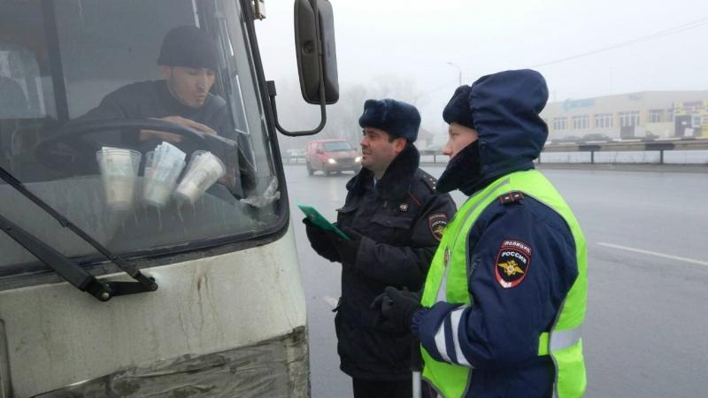 Сотрудники полиции во взаимодействии с другими ведомствами и представителями администрации города