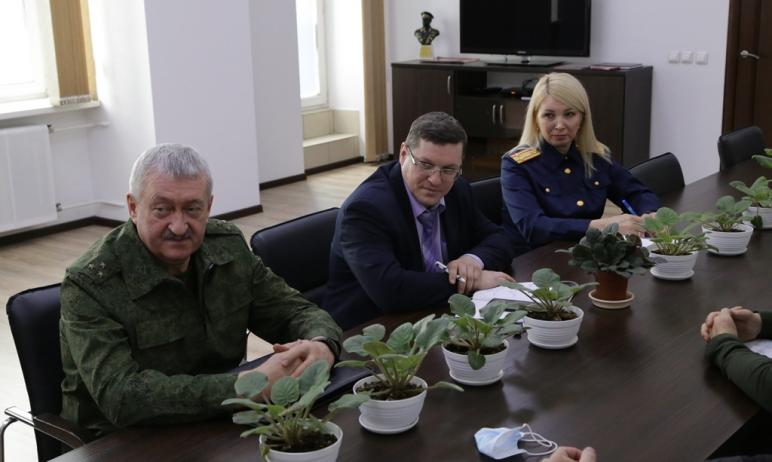 Сотрудники Росгвардии региона примут участие в высадке около 50 тысяч кедров в Челябинской област
