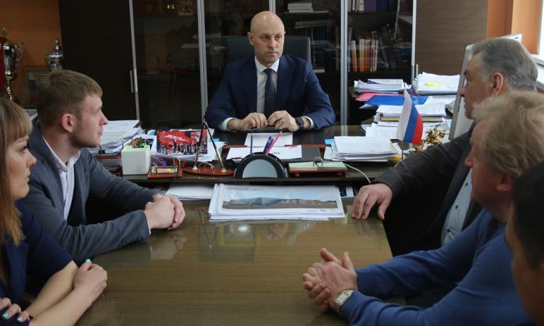 Сегодня, 7 апреля, в региональном минспорте глава ведомства Максим Соколов провел встречу с руков