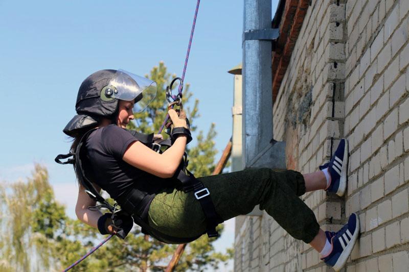 В Челябинской области 26 воспитанников отряда юных спецназовцев «Беркут» получили сертификаты об