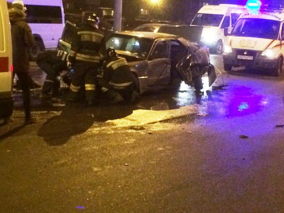 Серьезная авария произошла вечером 4 ноября. На перекрестке улиц Комарова и Октябрьской, что в Тр