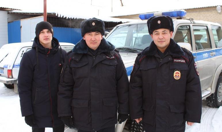 Полицейские Аргаяшского района (Челябинская область) помогли пожилой паре, оказавшейся в сложной