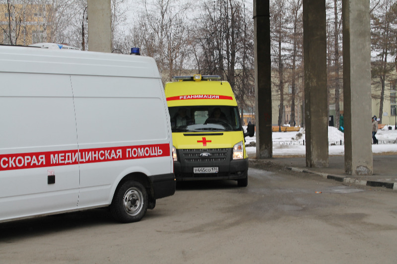 Тяжелых больных в Челябинскую областную больницу довезут на современных реанимобилях