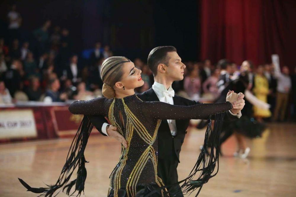 152 дуэта вышли на паркет в борьбе за награды. Южноуральские танцоры смогли завоевать три
