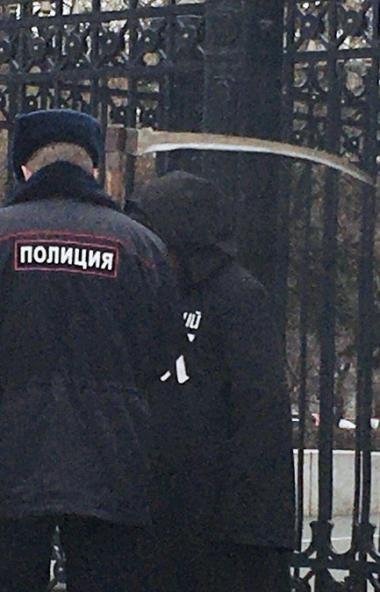 Активисты движения против строительства Томинского ГОКа выставили одиночный пикет возле правитель