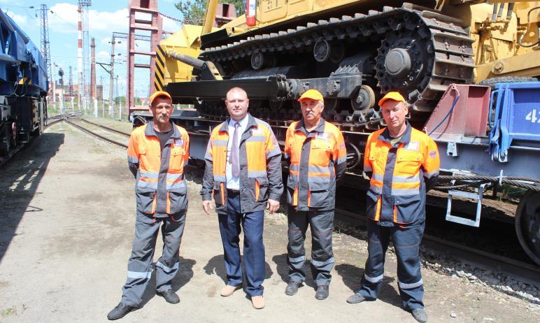 Работники Южно-Уральской железной дороги проявили себя, как настоящие герои, когда в крат