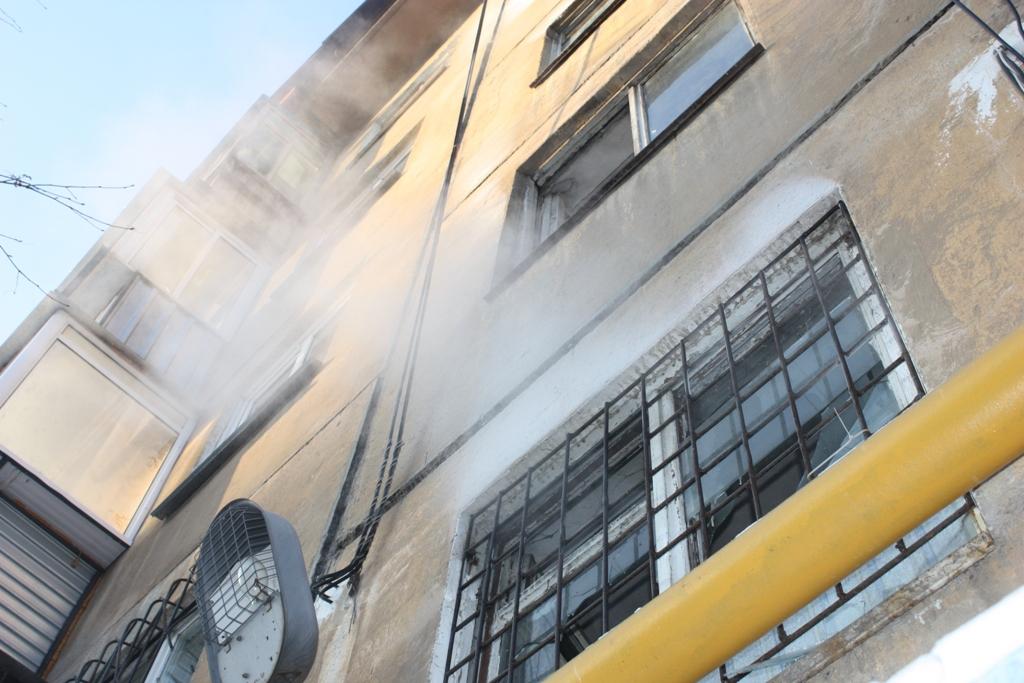 «Вчера, 21 мая, днем в доме №6 во Втором квартале раздался сильный хлопок, грохот. Жители почувст