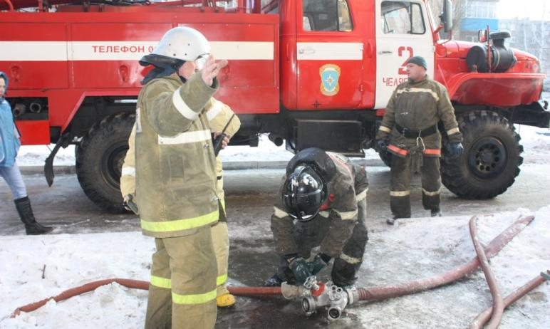 Из промышленно-гуманитарного техникума, расположенного в Ленинском районе Челябинска, эвакуировал