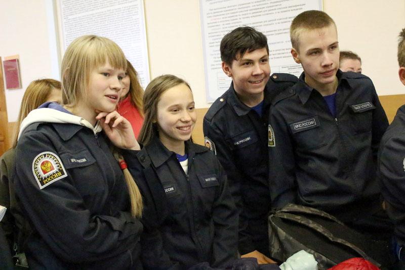 Для участия в состязаниях школьники должны объединиться в команды из десяти человек и до 29 марта