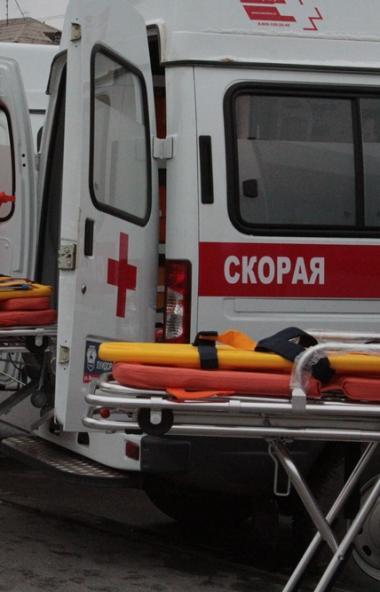 Двум выпускникам Челябинская пришлось вызывать скорую медицинскую помощь в пункты проведения ЕГЭ.