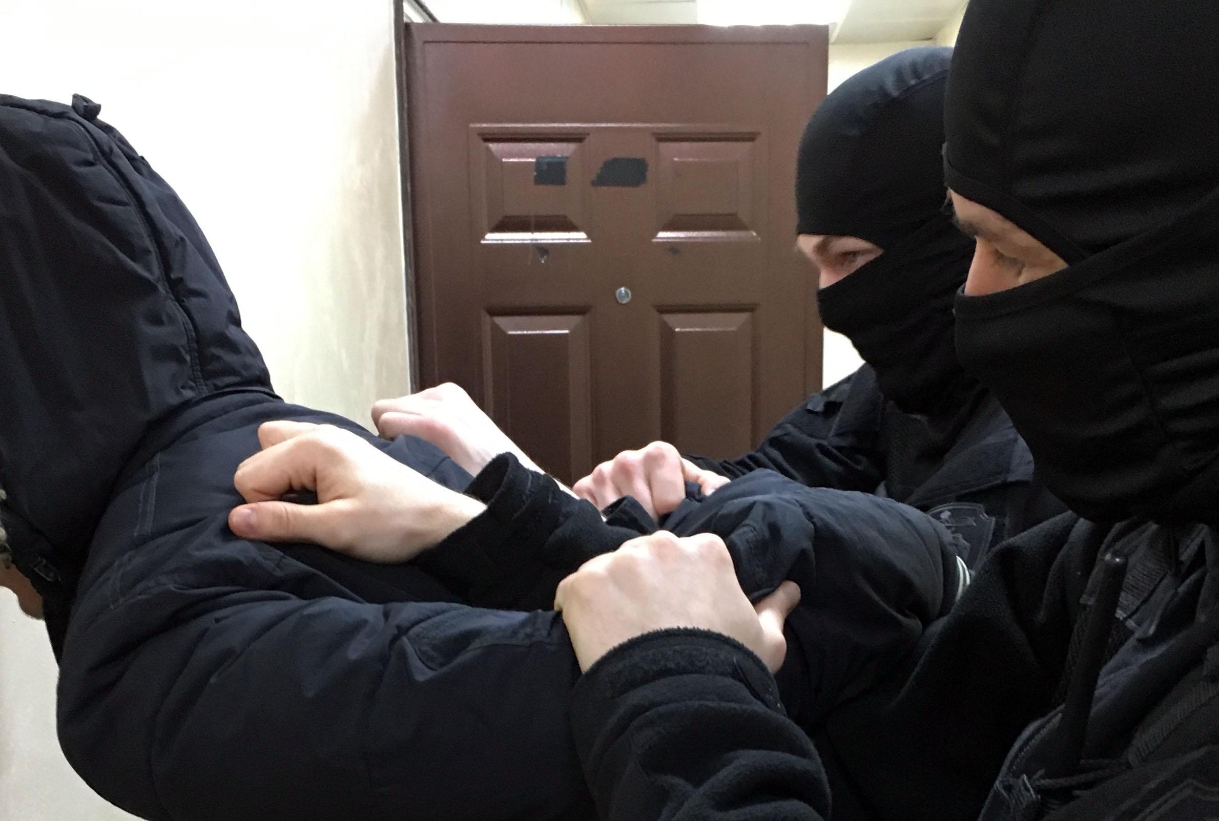 Житель Челябинска заказал из Голландии амфетамин. Его задержали на почте в момент получения конве