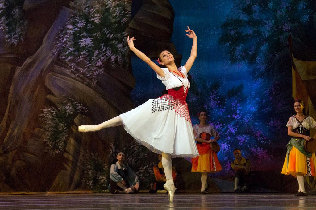 В третьей декаде сентября областной театр оперы и балеты имени Михаила Глинки откроет на своих по
