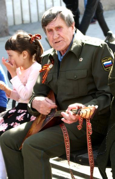 Глава Челябинской области Алексей Текслер материально поддержит тружеников тыла и детей Великой О