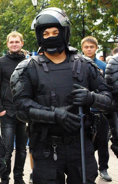 В Челябинске полиция задержала нарушителей режима карантина и самоизоляции. Молодежь устроила ноч