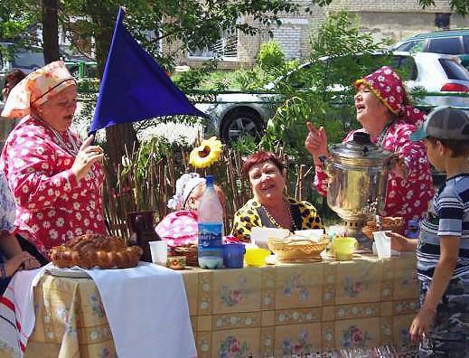 Прежде, чем выйти на сцену, бабушки прошли предварительное прослушивание, а затем начались репети