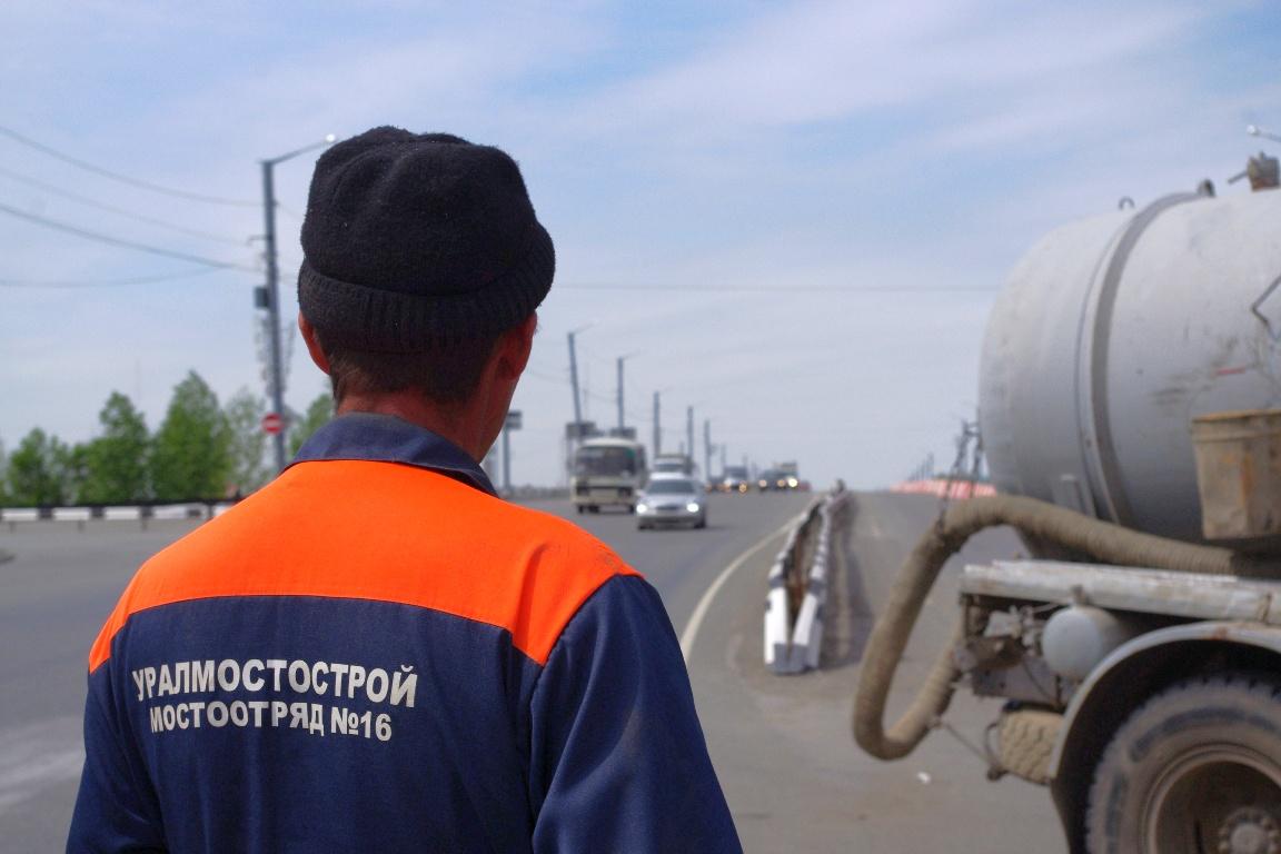 На сегодняшний день на путепроводе Челябинск-Главный началось асфальтирование отремонтированной п