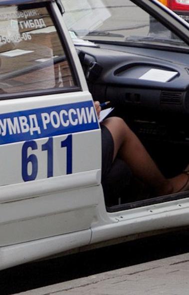 Почти 2,5 тысячи SIM-карт операторов мобильной связи, незаконно реализуемых в Уральском федеральн