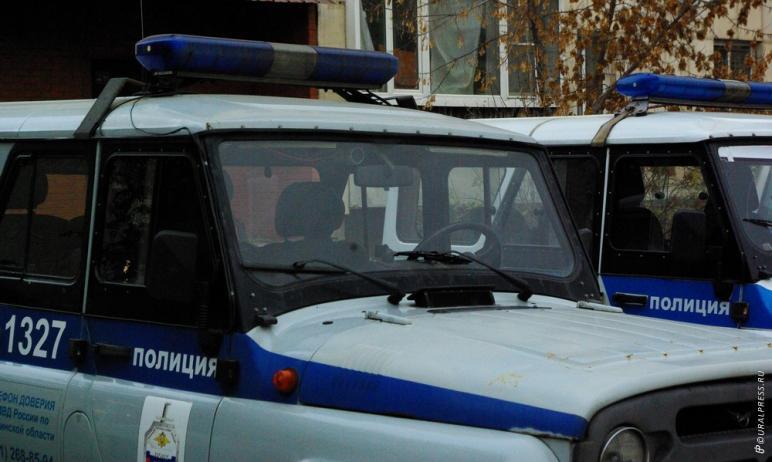 В Челябинске разыскивают очередных мошенников, которые убедили местную жительницу взять на себя к