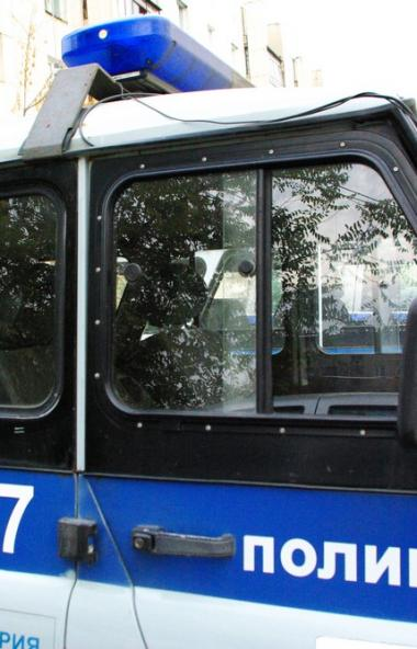 В Челябинске был задержан изрядно выпивший посетитель магазина, который сначала устроил дебош, ра