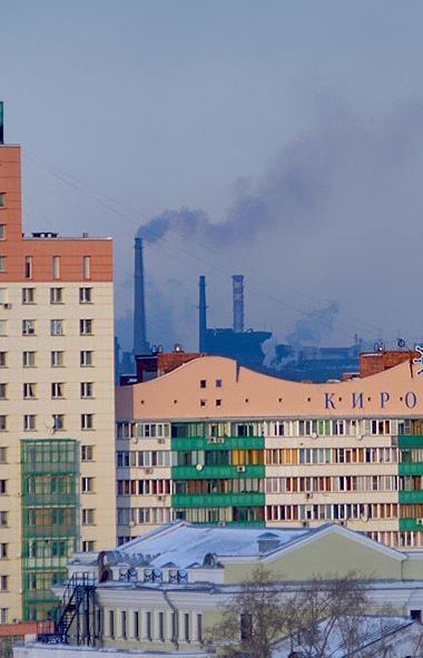 Жители Челябинска уже несколько дней задыхаются от удушающих запахов, негативно сказывающих на их