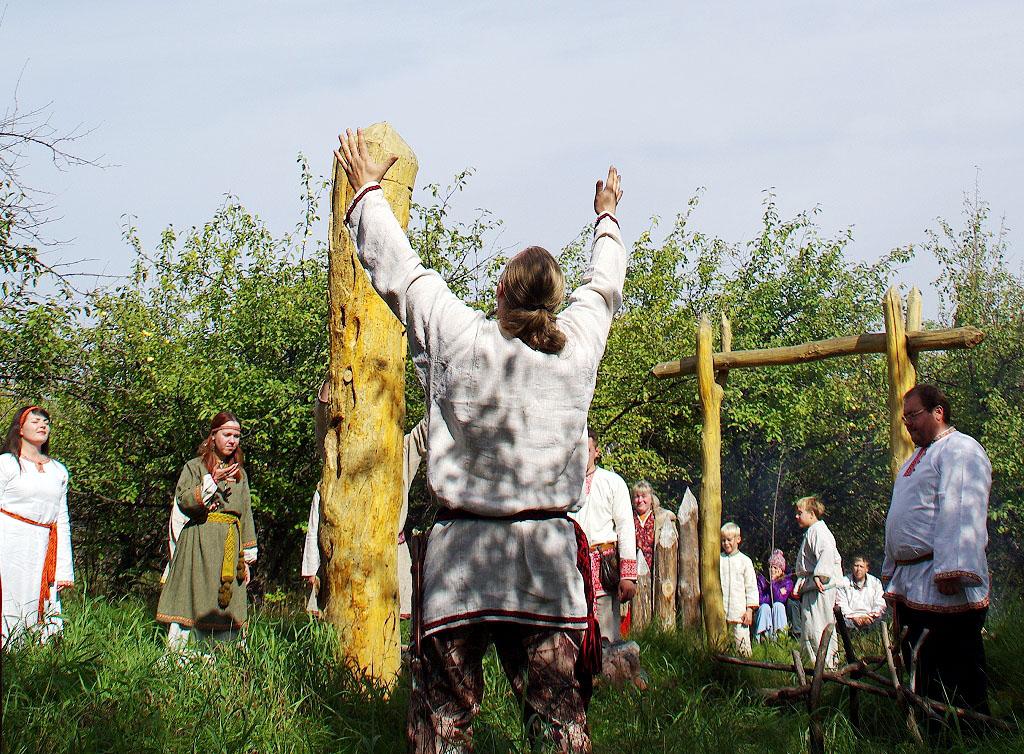 Сегодня, 25 июня 2018 года, славяне всего мира отмечают День дружбы и единения. Общая численность