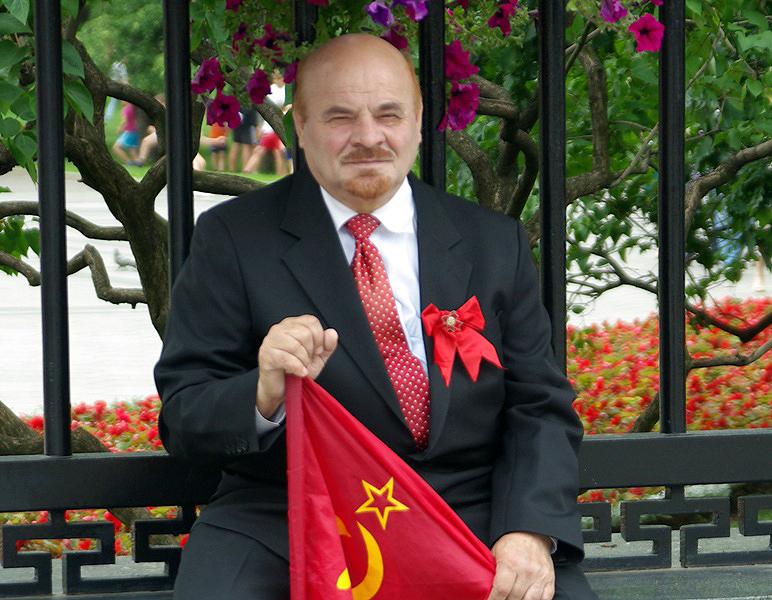 Жителей России, похожих на вождя мирового пролетариата Владимира Ильича Ленина, приглашают на раб