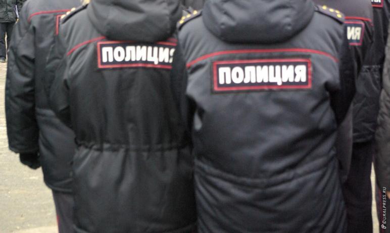 В Челябинске оперуполномоченный из Свердловской области, который находился в нашем городе в коман