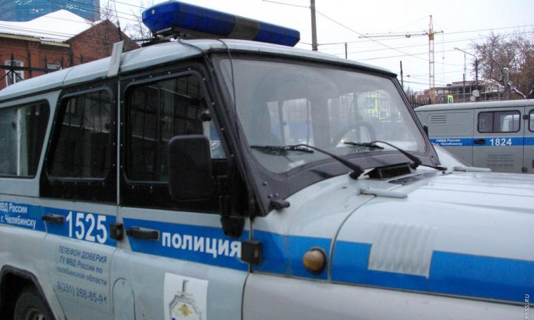 Полицейские Челябинска ищут автоворов, которые снимают аккумуляторы с машин в микрорайоне Парковы