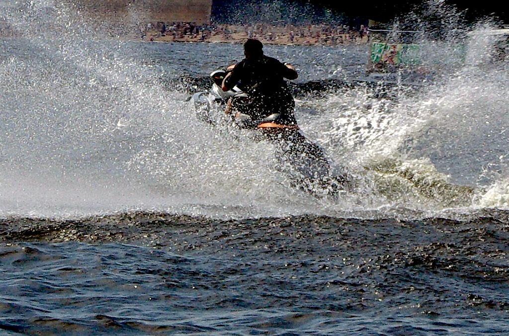 В отношении водителя гидроцикла из Чебаркуля (Челябинская область), по вине которого утонула деву