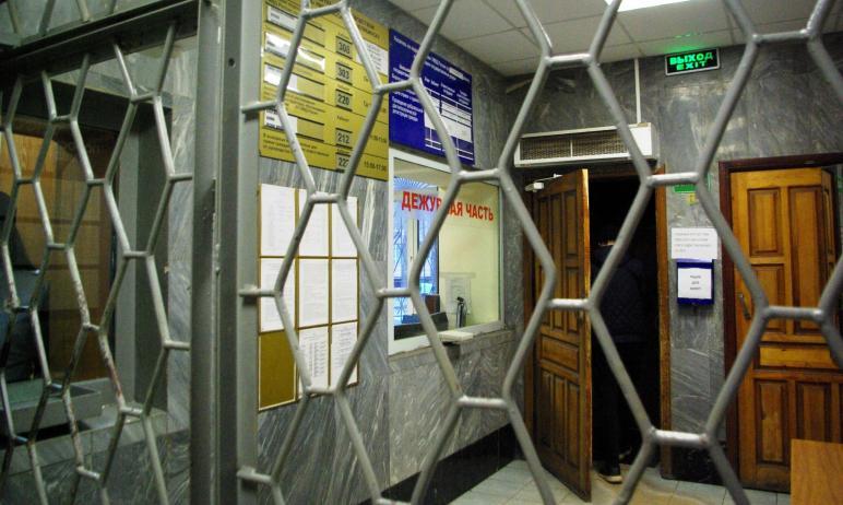 В Челябинске продолжается поиск мужчин, которые совершили налет на ювелирный салон. Возбуждено уг