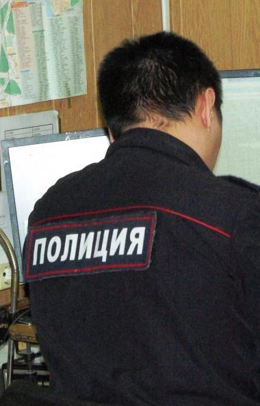 Челябинскими полицейскими задержан злоумышленник, который похитил деньги с банковской карты случа