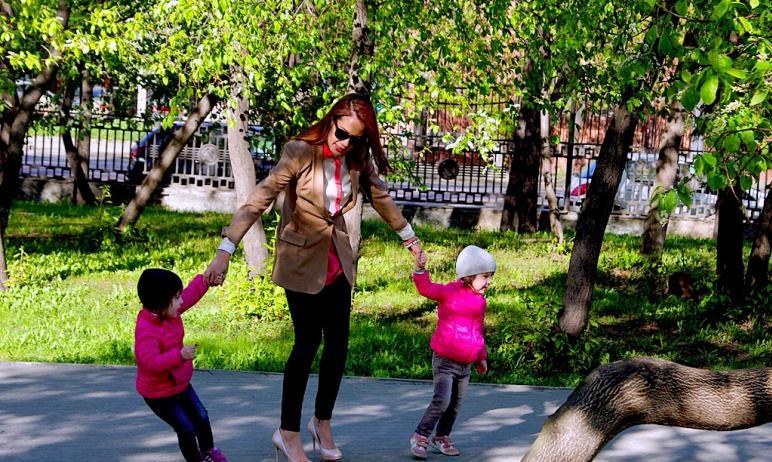 Многодетныt семьb Челябинской области vjuen получить бесплатные билеты на аттракционы парка имени